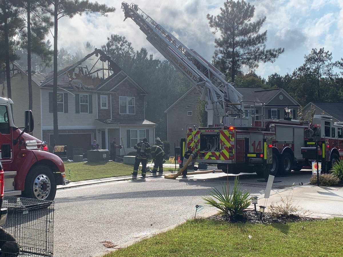 Crews put out house fire in Blythewood, no injuries reported