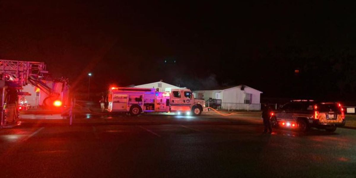 Fire at elementary school in Lexington delays start of school Tuesday