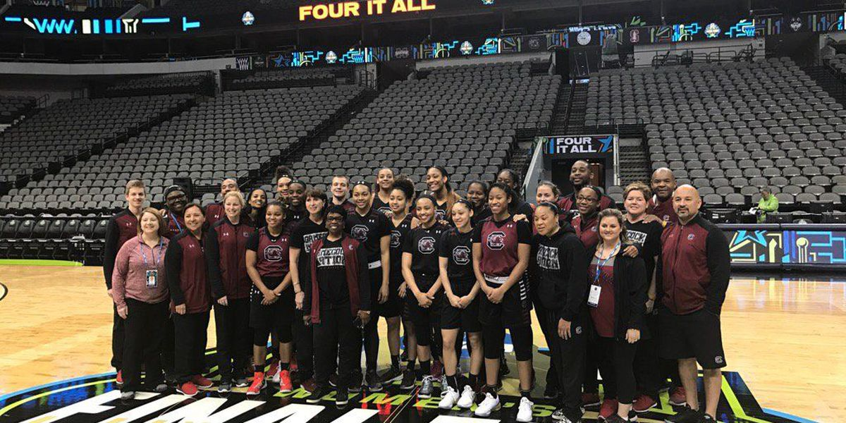 Gamecocks set target on cutting nets in Dallas