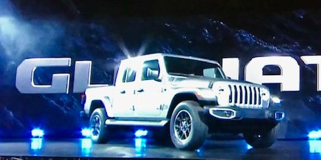 Jeep Wrangler pickup - Gladiator - is unveiled in Los Angeles