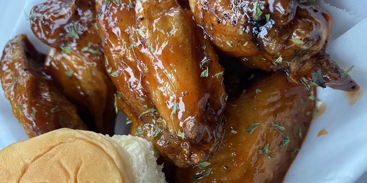 Carolina Cookin': Nothin' But Wings