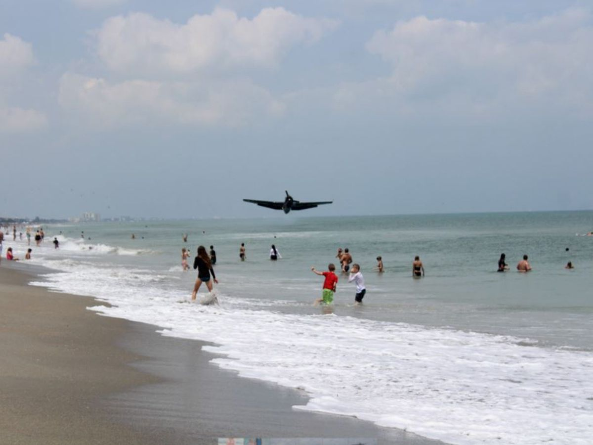 Ohio family witnesses viral WWII era bomber plane crash in Cocoa Beach, FL