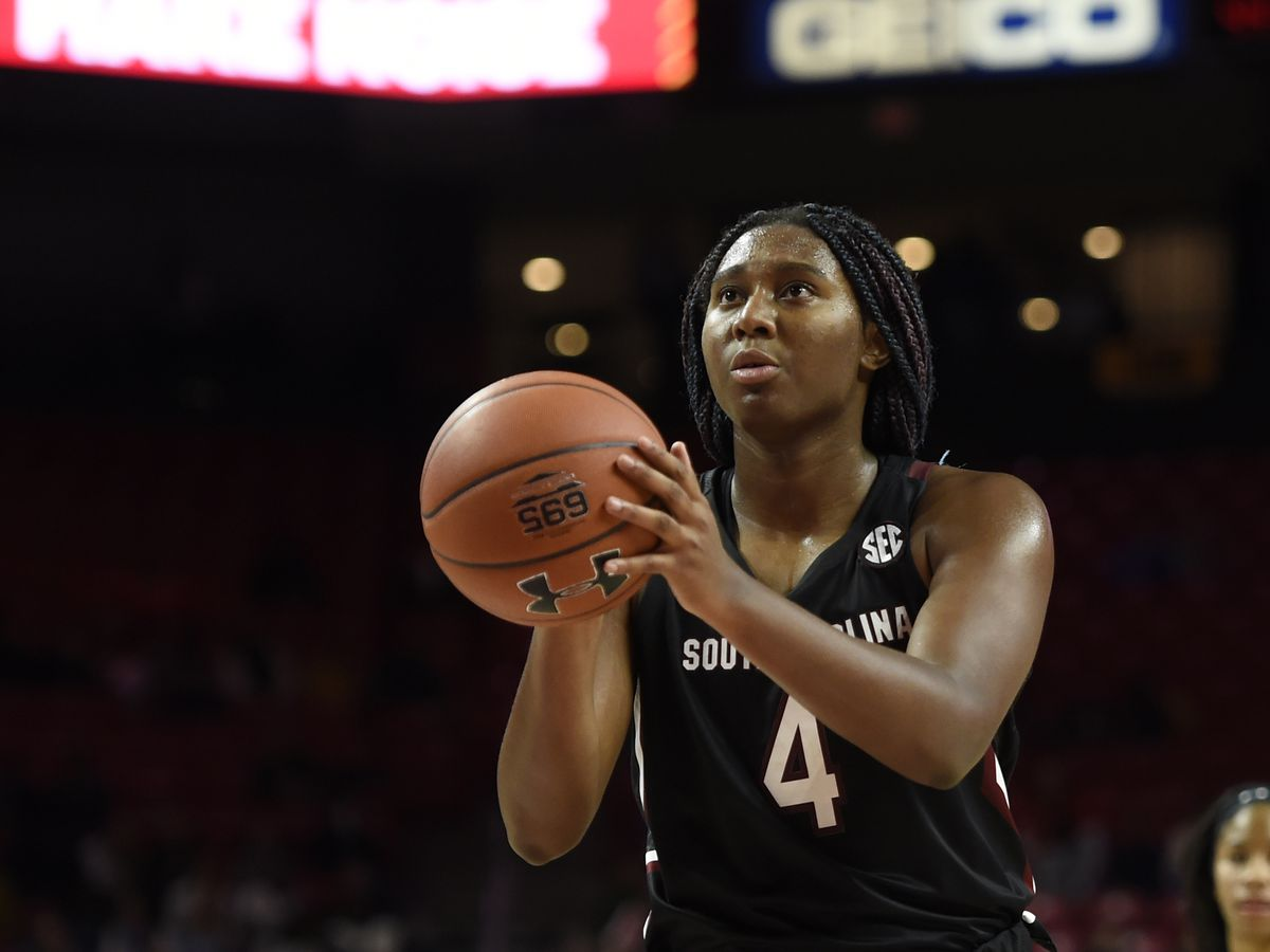 No. 8 South Carolina easily beats No. 4 Maryland 63-54
