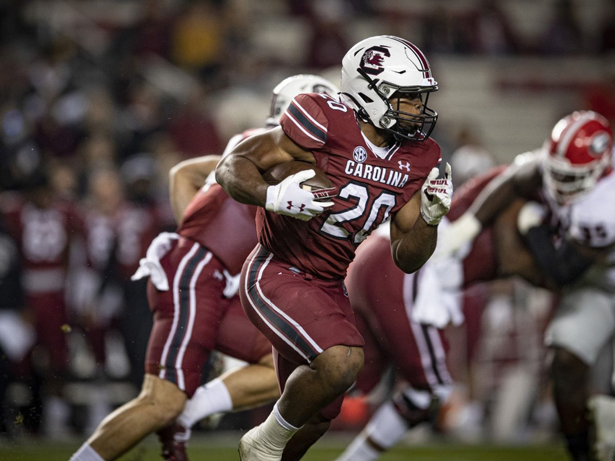 Gamecocks, Harris set sights on 1,000-yard rushing milestone