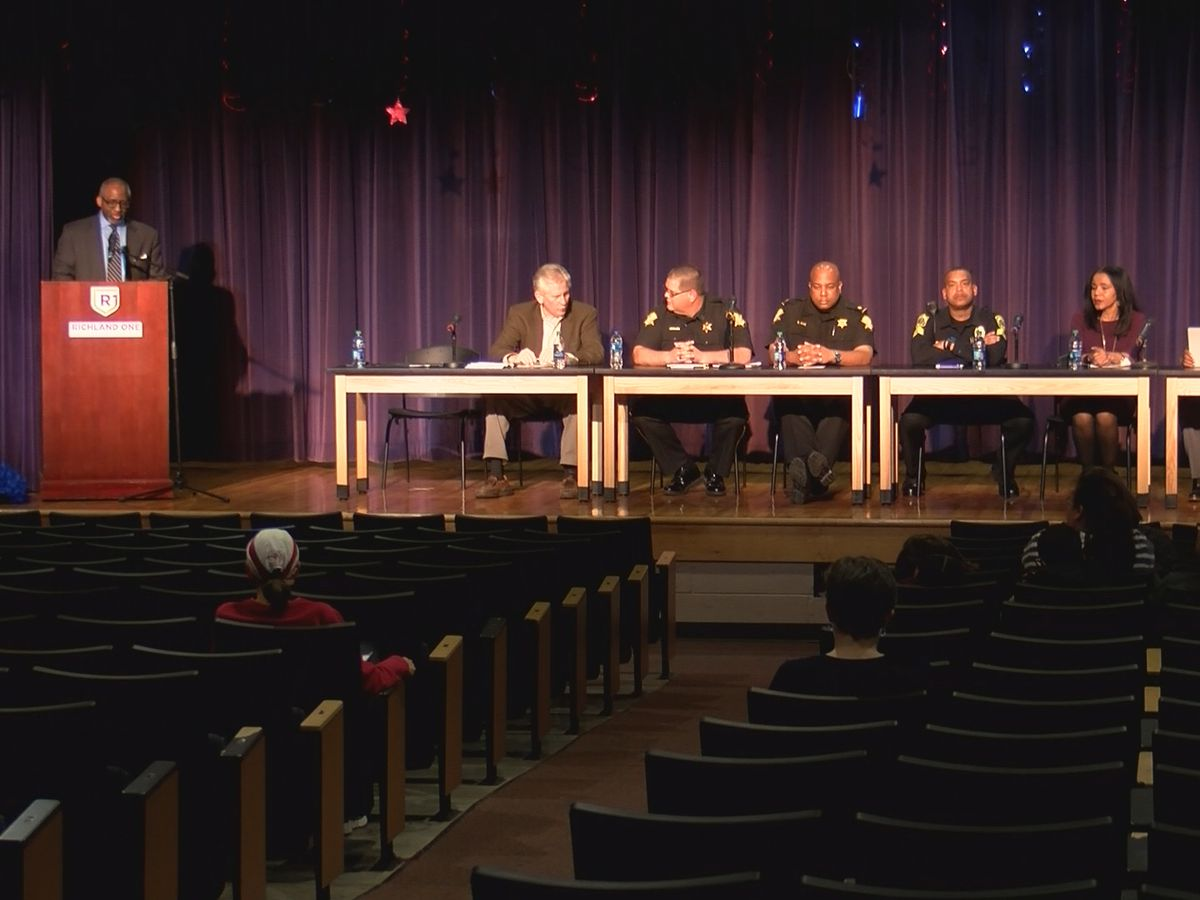 Richland 1 parents meet with law enforcement agencies to discuss school safety