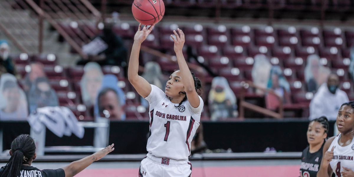 Cooke scores 23 in Gamecocks' dominant win over Temple