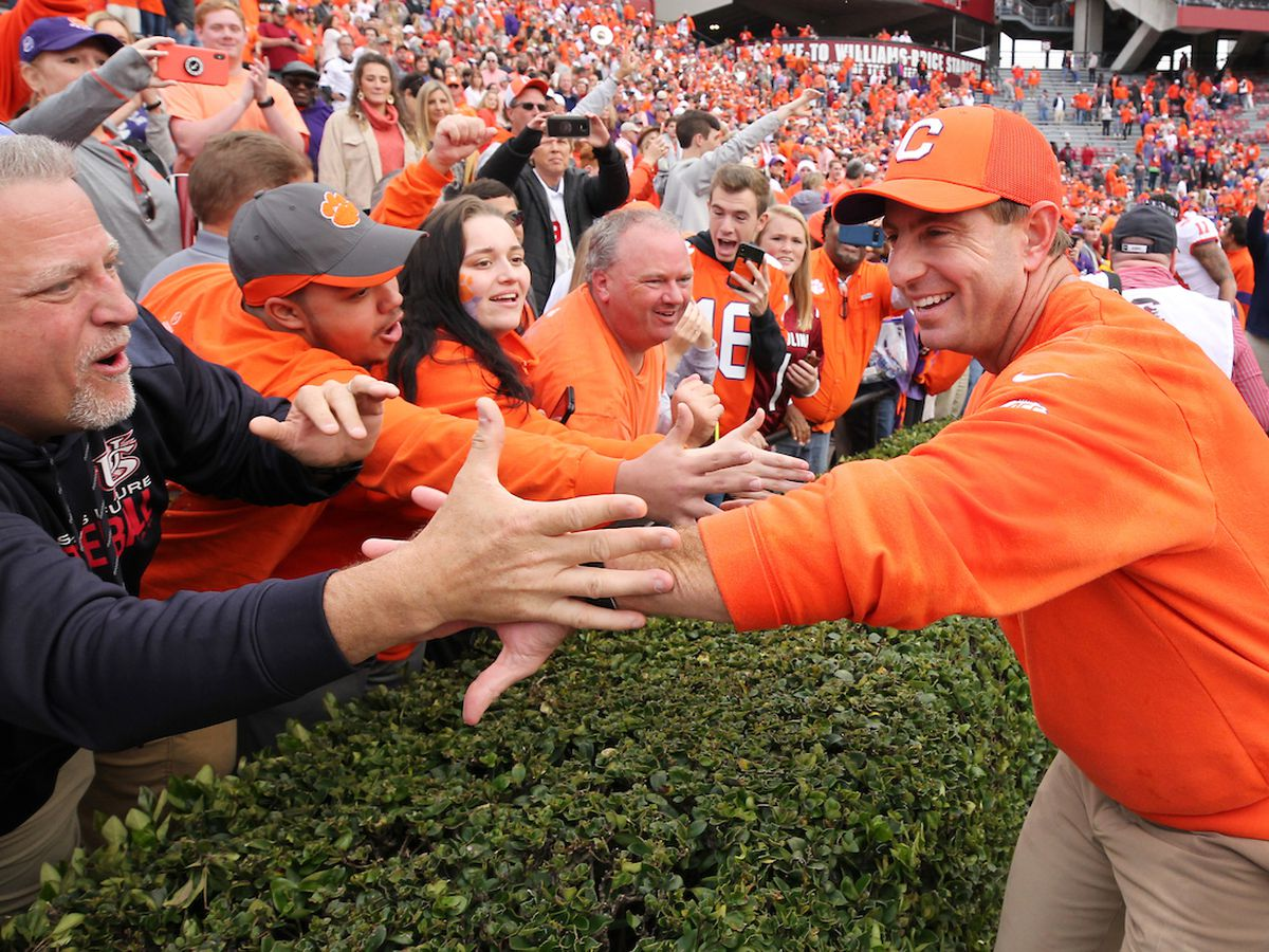Clemson aims for 5th straight ACC title in Charlotte vs. Virginia