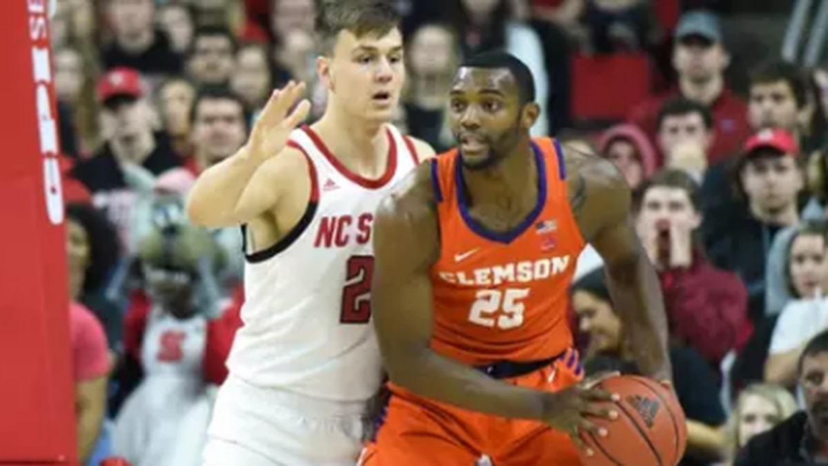 Clemson falls to NC State to end win streak