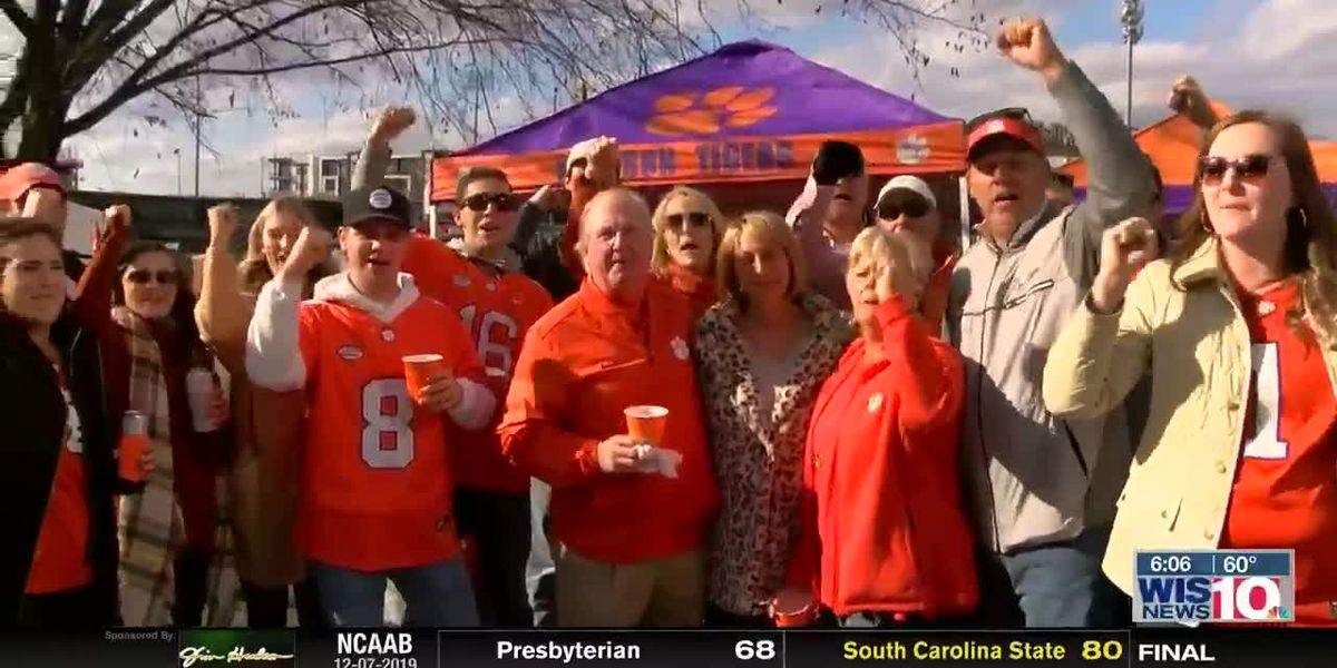 Clemson fans enjoy time ahead of ACC title game with friends, family