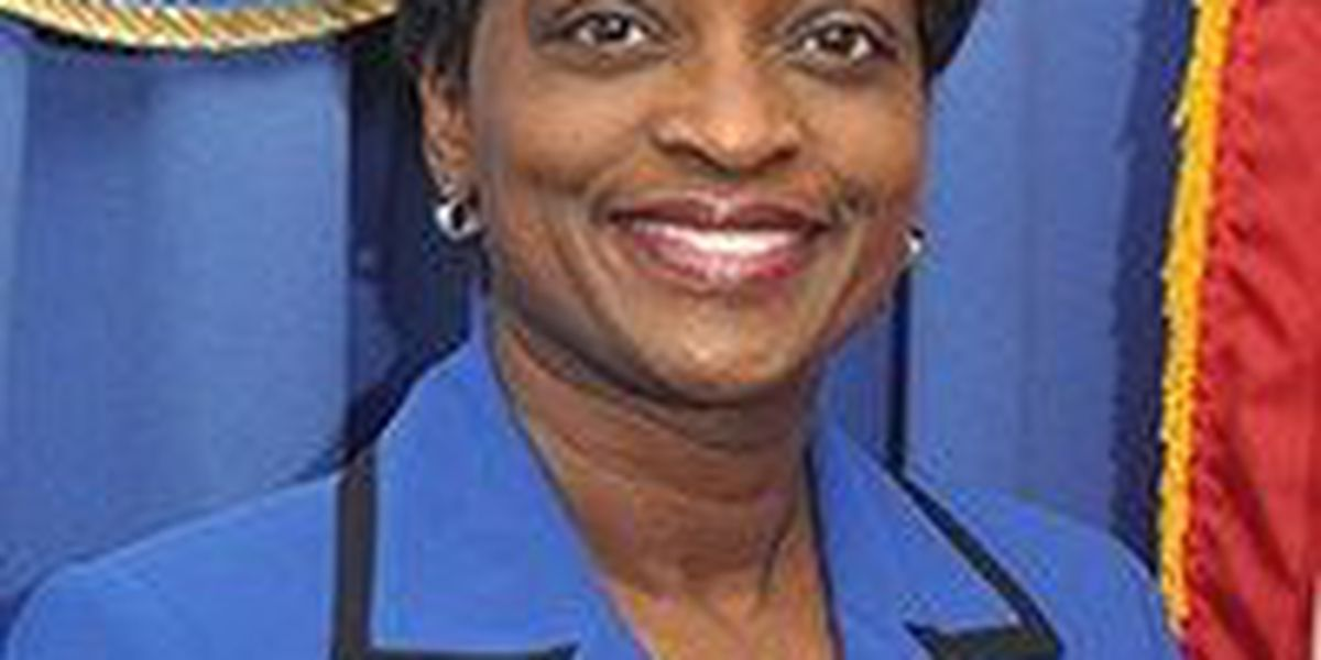 Mignon Clyburn, one of four FCC Commissioners, stepping down