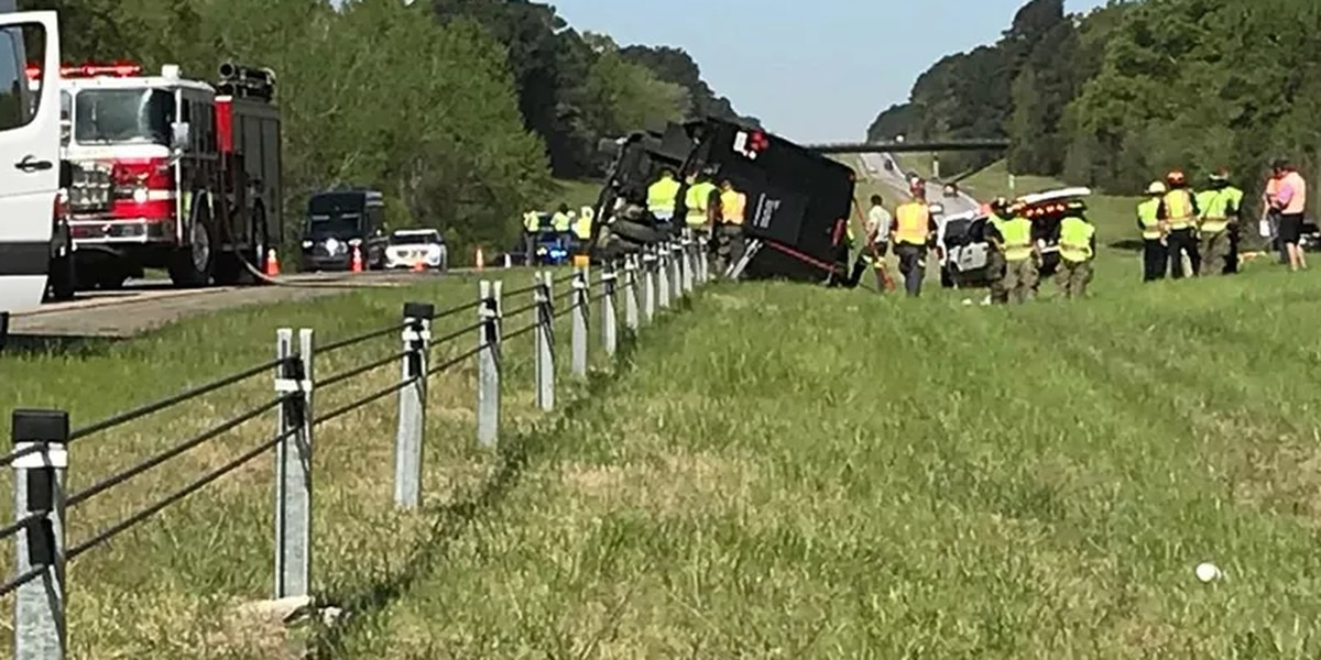 LIVE: Tour bus crash closes parts of I-20 outside of The Masters in Augusta