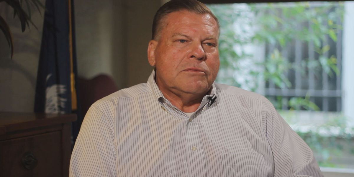Former sheriff headed to prison to donate political money