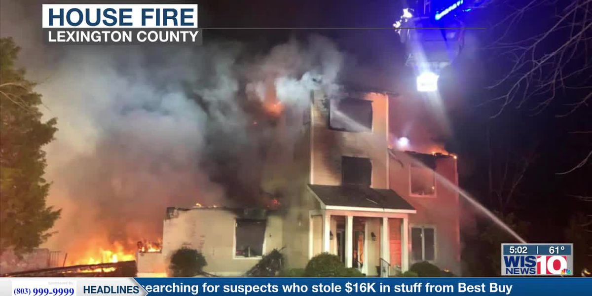 Large fire damages home on Lake Murray