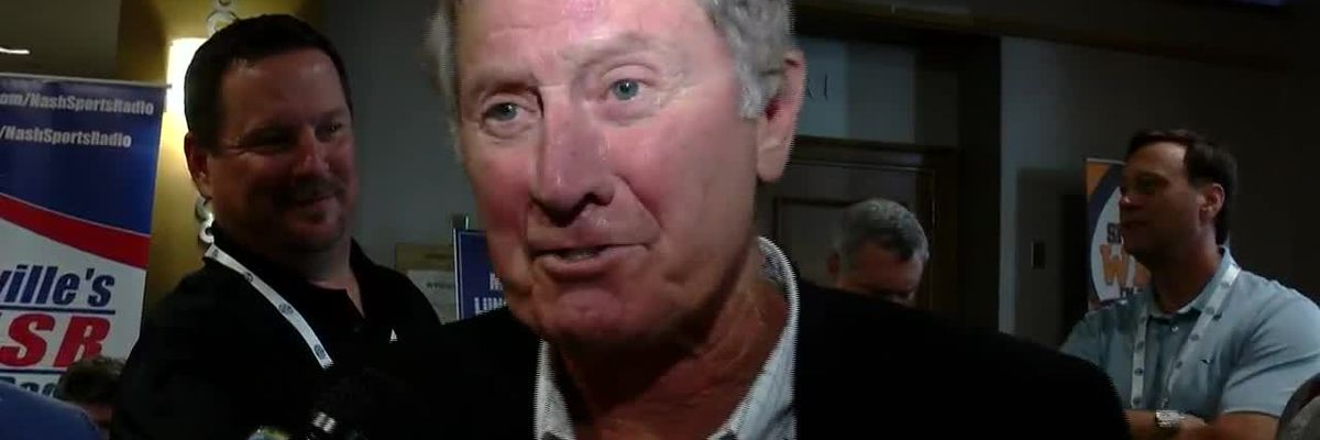 Rick Henry catches up with Steve Spurrier at SEC Media Days
