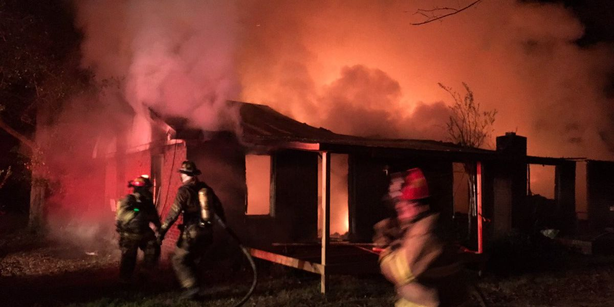 VIDEO: Fire engulfs Fairfield Co. home early Wednesday morning