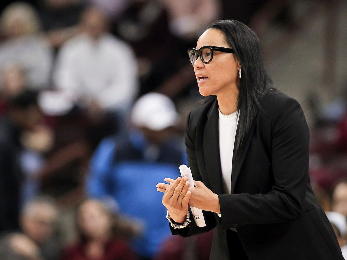 Dawn Staley asks fans to send cards to her sister recently diagnosed with leukemia