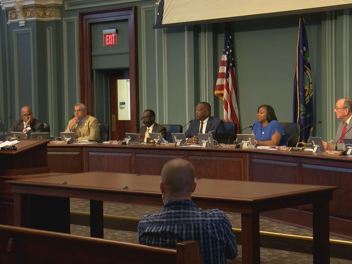Columbia ordinances on guns and hate crime pass first vote