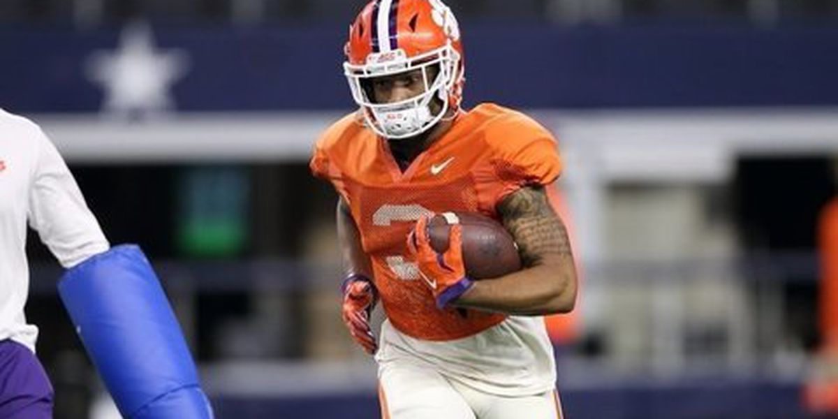 Clemson receiver suffers leg injury Monday