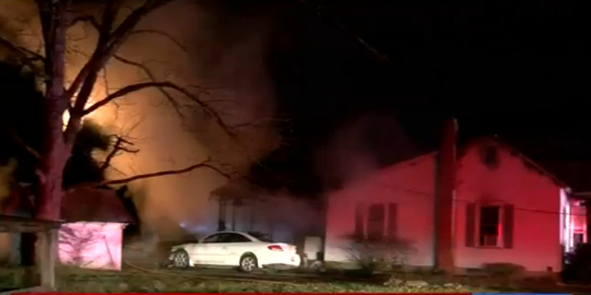 Officials investigate early morning house fire in Lexington County