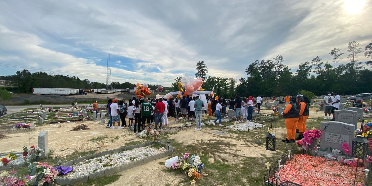 Community holds vigil in remembrance of 7-year-old shot, killed one year ago