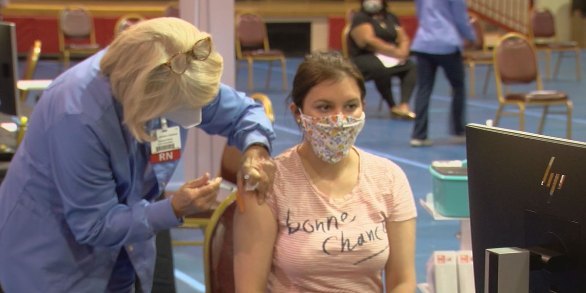 Citizens take advantage of LMC walk-in vaccination clinic