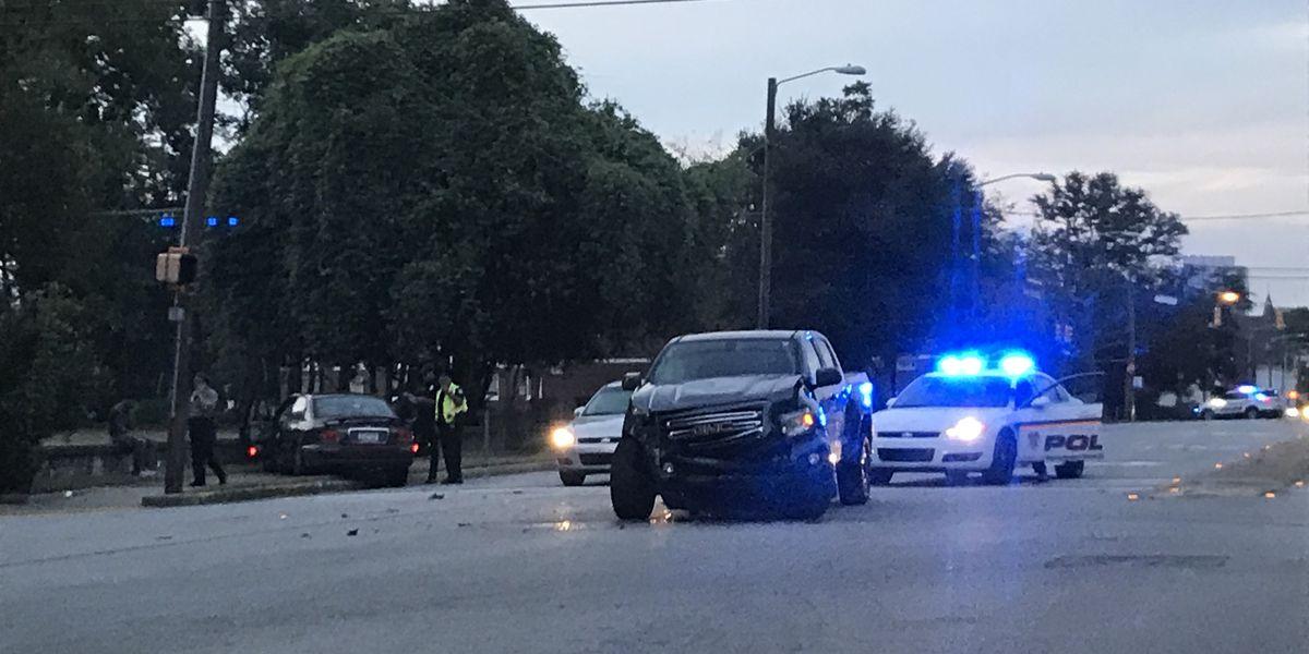 Laurel to Blanding Streets blocked due to car crash