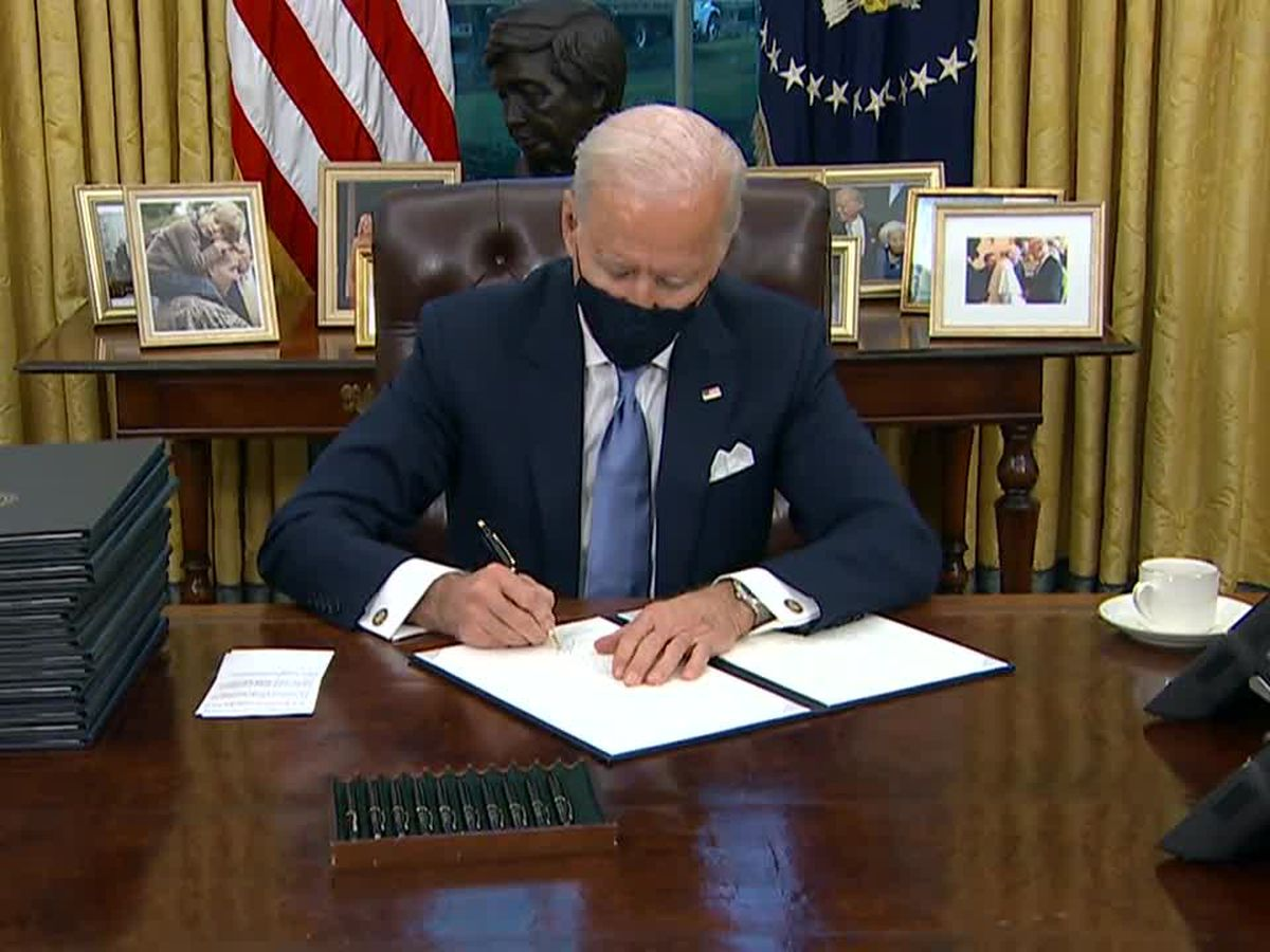 LIVE: Biden to sign virus measures, requires mask use to travel
