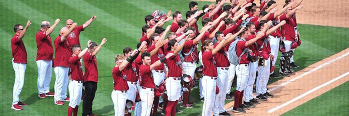 Gamecock baseball welcomes top-ranked Arkansas