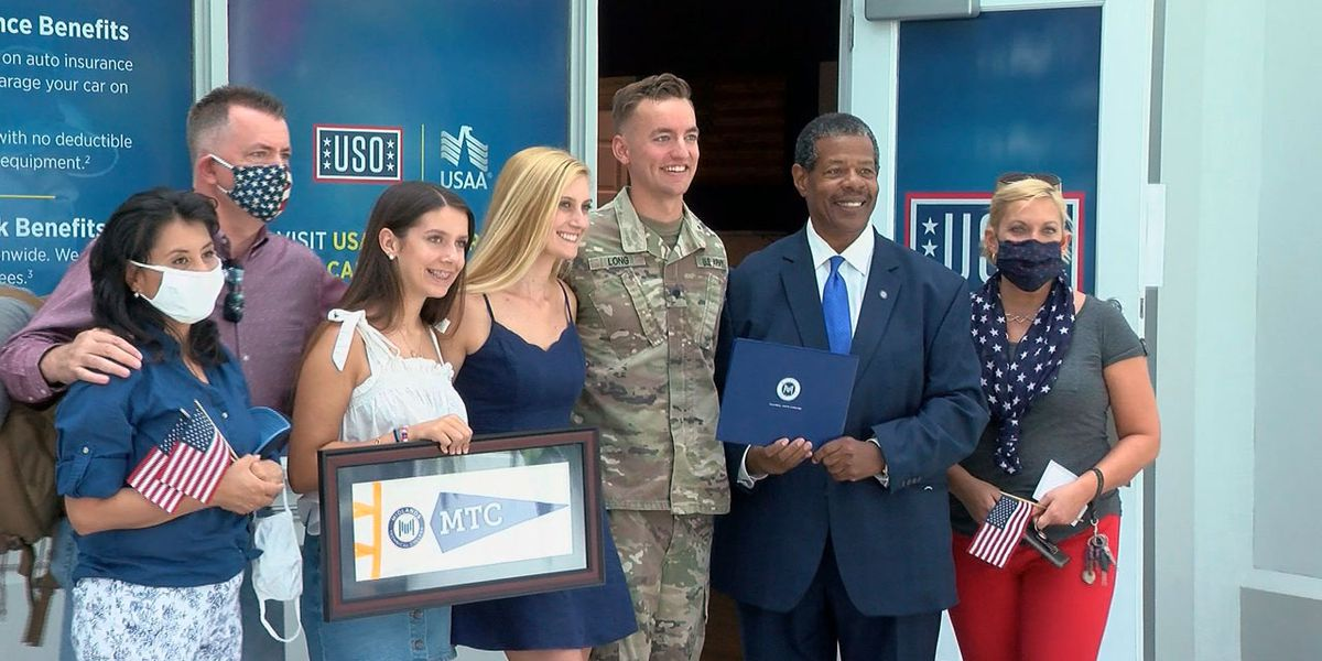 SC soldier who finished degree while serving overseas comes home to a big surprise