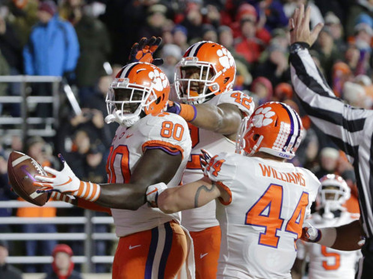 Clemson stays at No. 2 in latest CFP rankings
