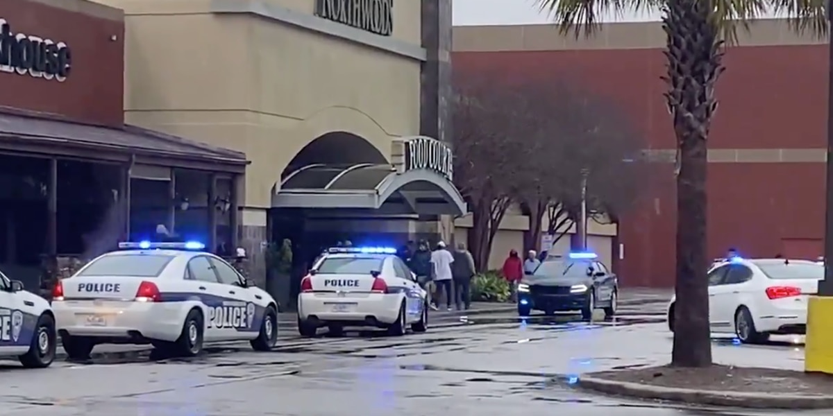 3 wounded at SC's Northwoods Mall, police searching for gunman