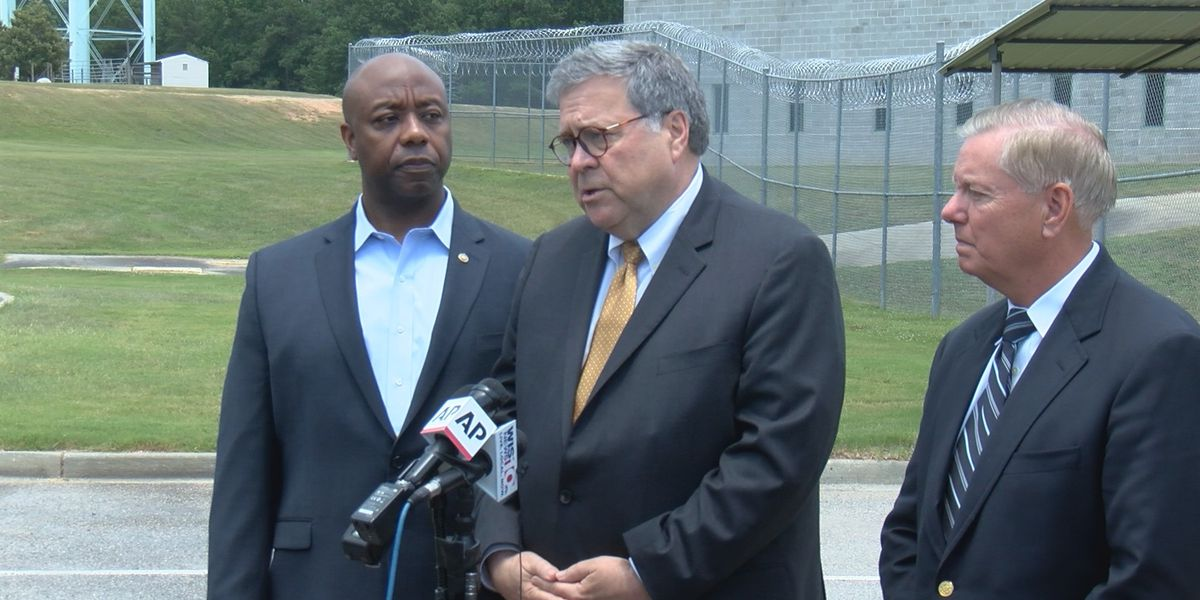 Attorney General, US Senators, tour Federal Correctional Institution in Edgefield