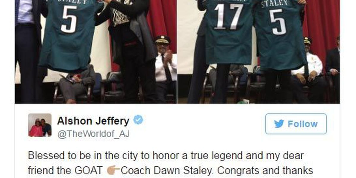 Eagles WR Alshon Jeffery presents Dawn Staley with personal jersey