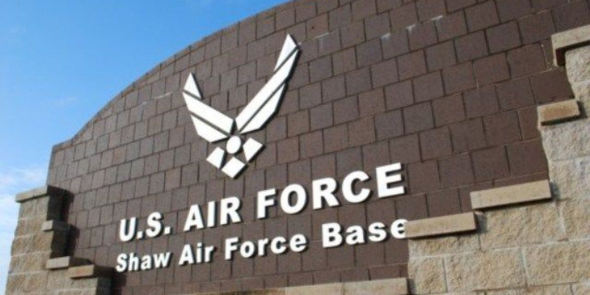 2 Shaw Air Force Base airmen honored for saving 88 lives