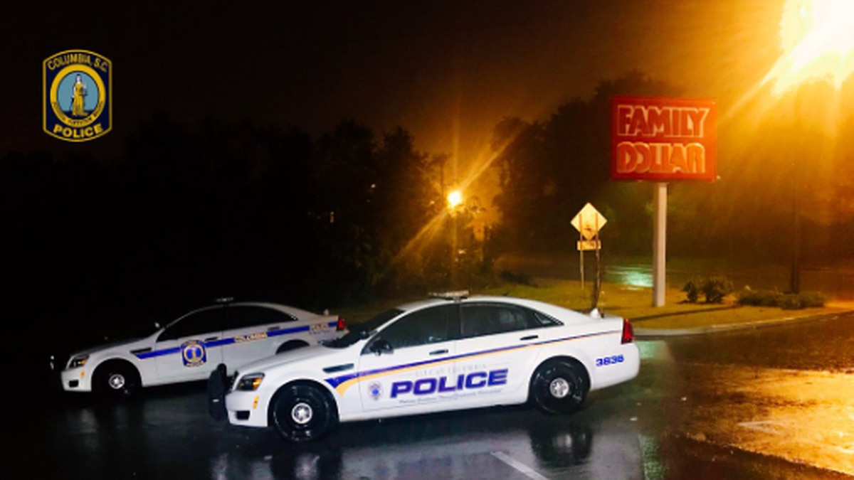 CPD in route to armed robbery scene at Family Dollar on North Millwood Avenue