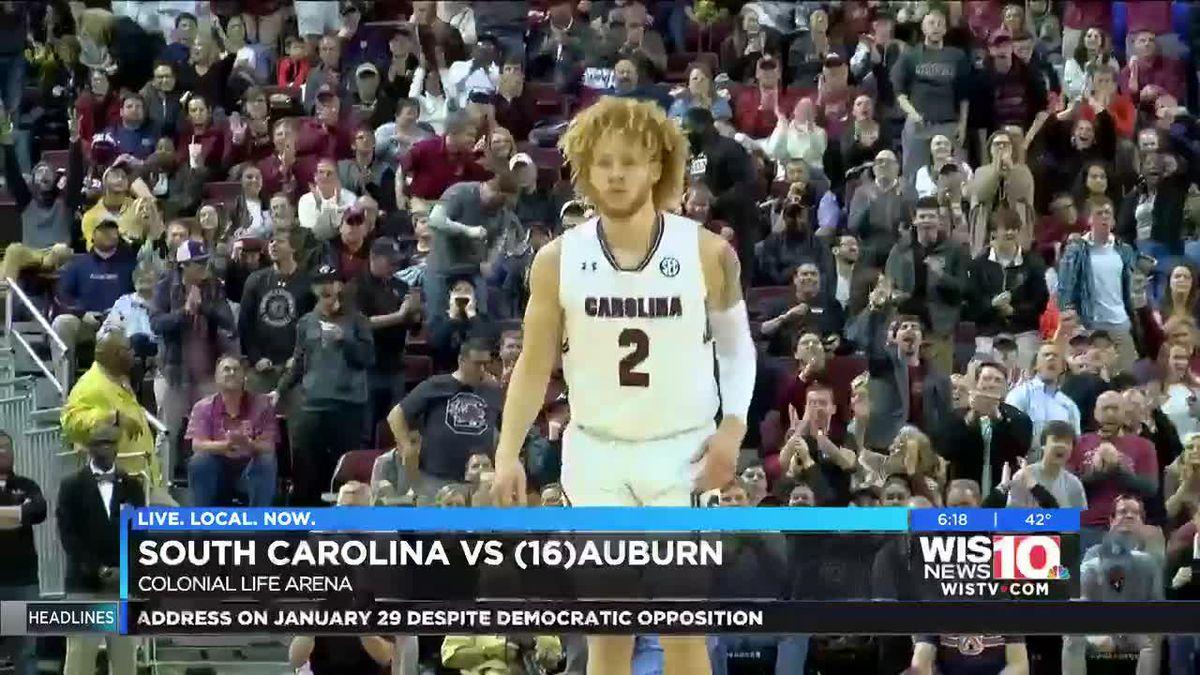 Gamecocks power past 16th-ranked Auburn