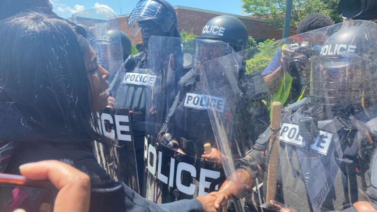 SLIDESHOW: Peaceful protest in downtown Columbia devolves into chaos Saturday