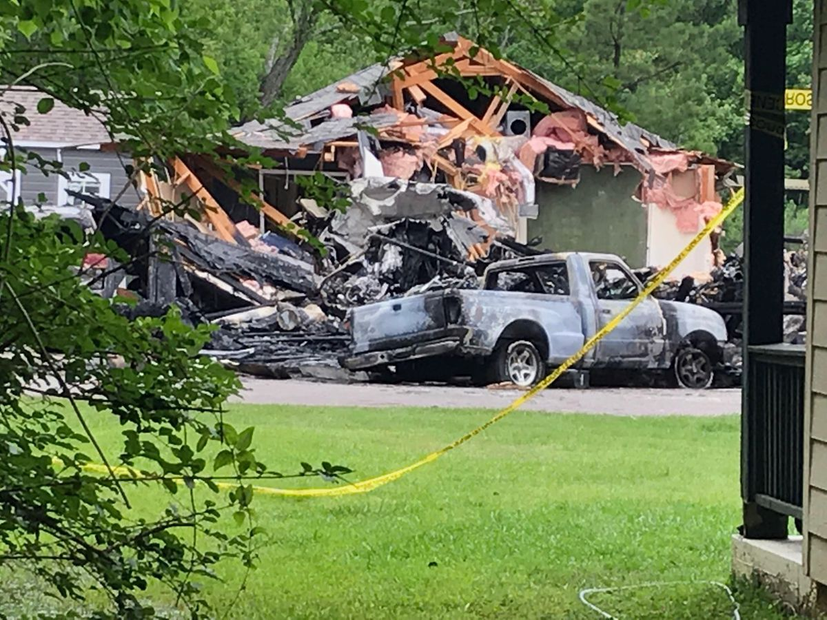 Victims in small plane crash into Miss. home identified