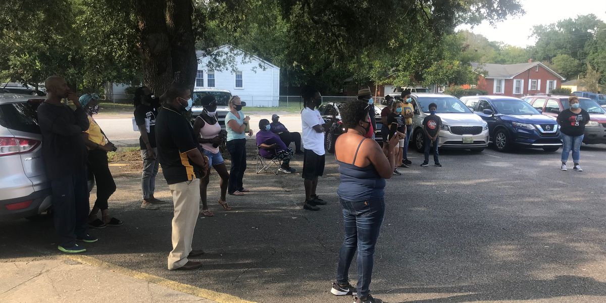 North Charleston neighbors looking to engage youth to help curb high crime rates