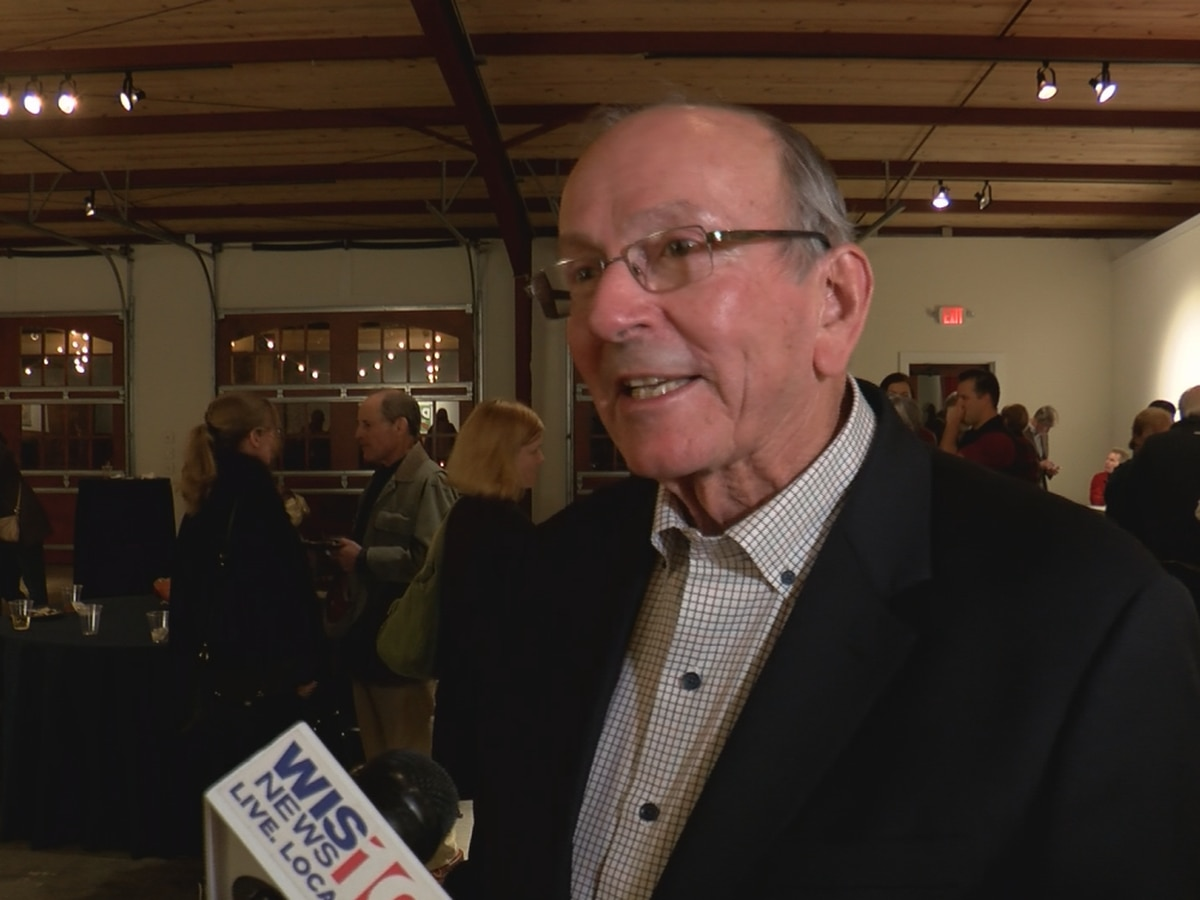 Columbia City Councilman Howard Duvall wins runoff election for council seat