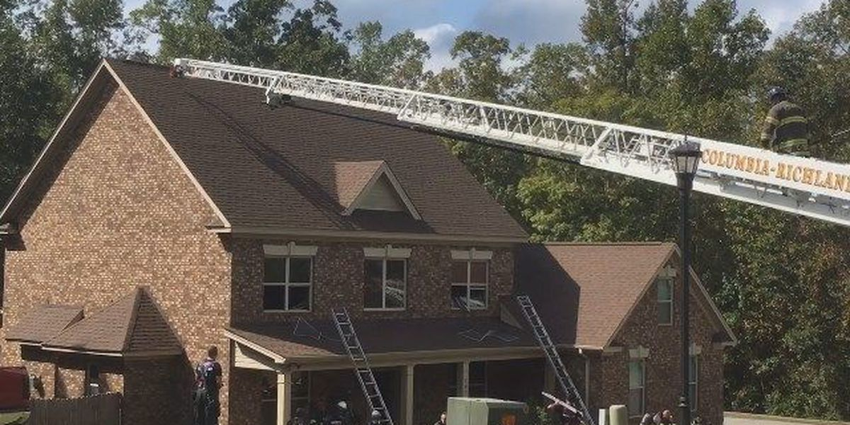 Fire damages house near Interstate 77