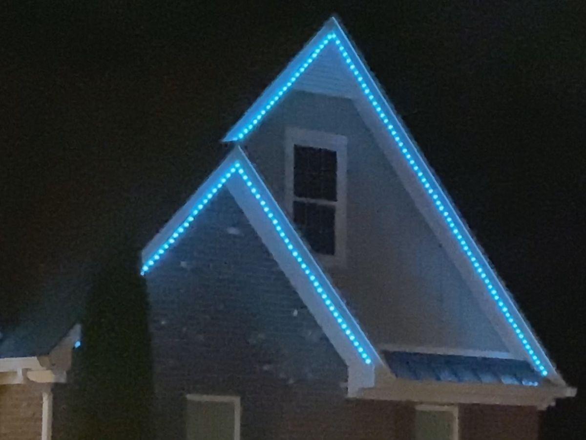 Lexington light displays bring cheer during COVID-19 crisis
