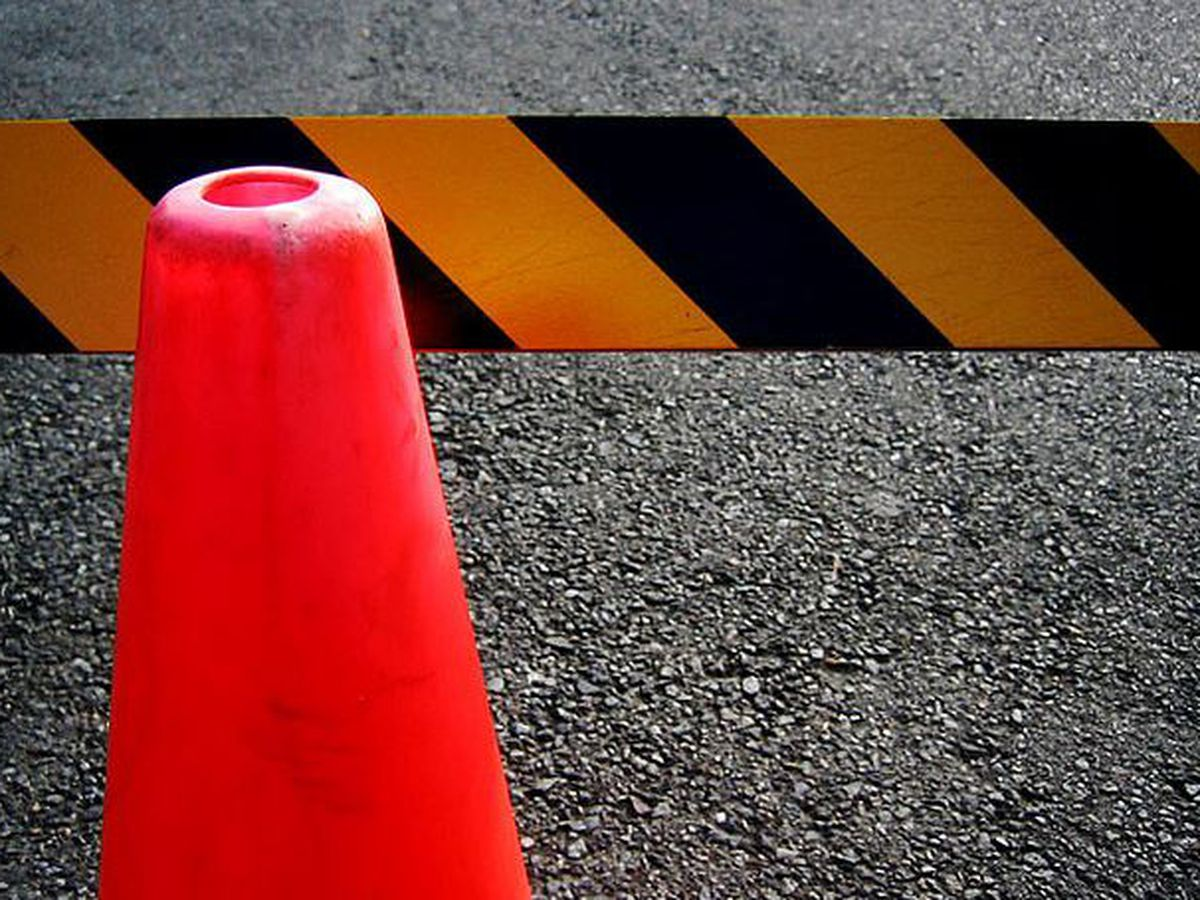 Gas leak shuts down Two Notch Road