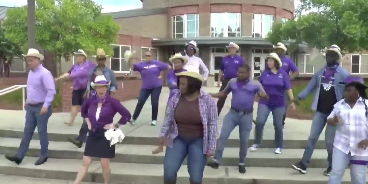 Richland Two school kicks off the school year with parody of hit 'Old Town Road'