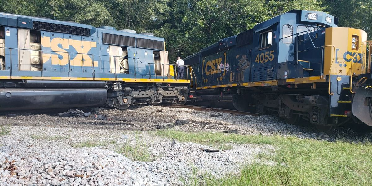Officials: Train derails after colliding with tractor-trailer in Calhoun County
