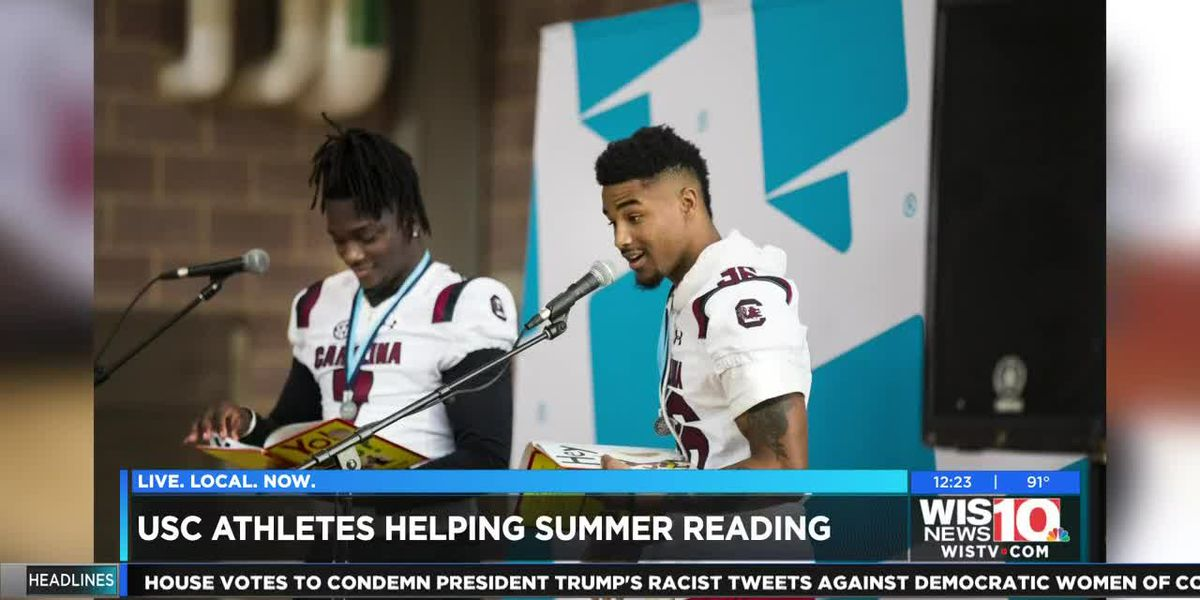 Talk of the Town: Gamecocks to read to Midlands youth as part of 'Pigskin Poets' event
