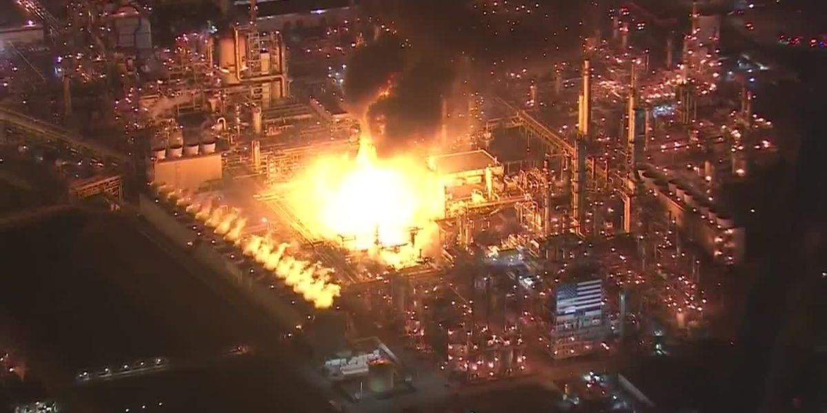 Light gas unit at metro Los Angeles refinery explodes, catches fire