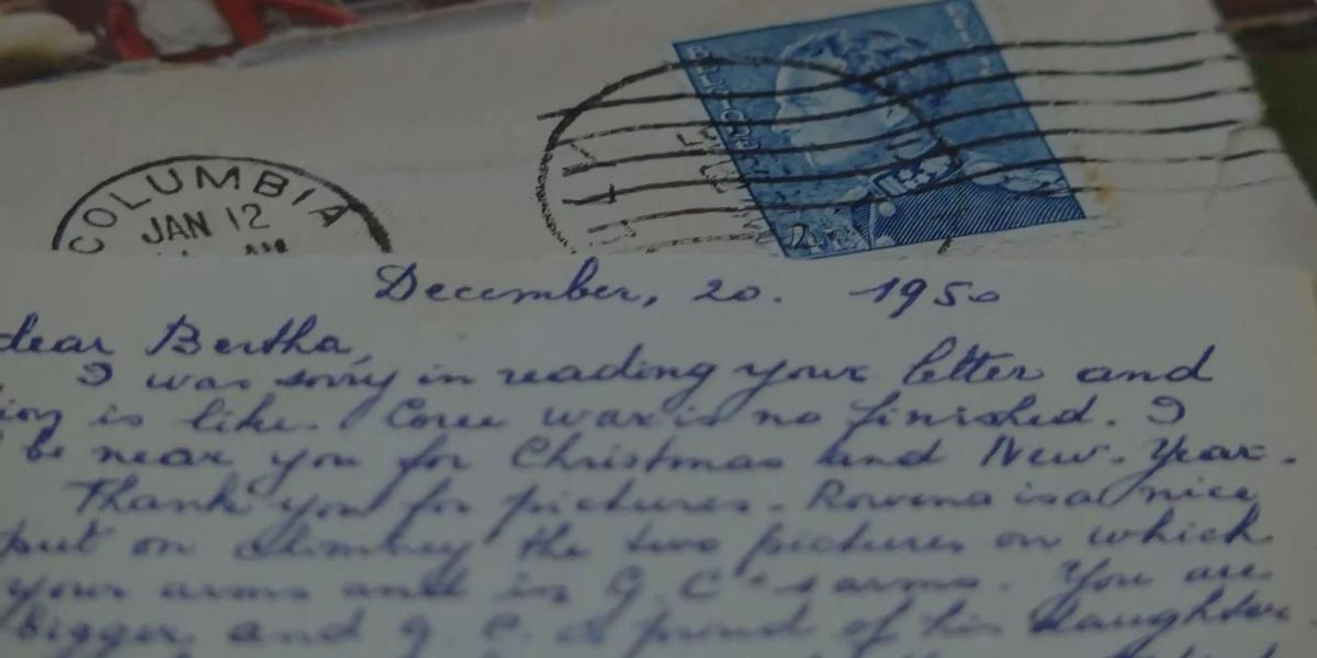 Elderly pen pals continue 8 decades of tradition through heartfelt letters