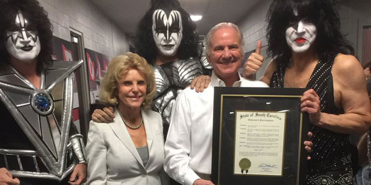 Governor McMaster presents proclamation to rock band KISS