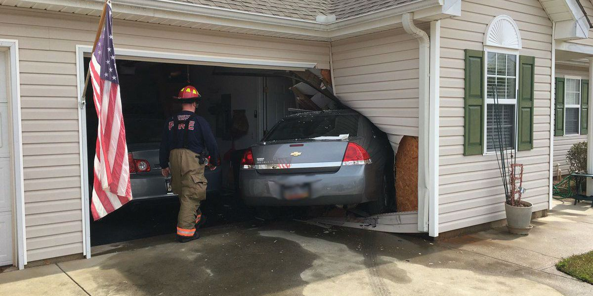 Car crashes into Lexington Co. home, driver and residents OK